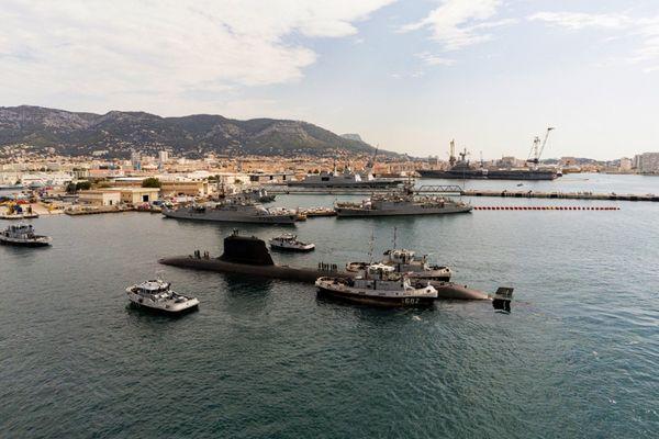 Le 20 octobre 2020, Naval Group présente le Suffren ,sous-marin d'attaque nucléaire en rade de Toulon.