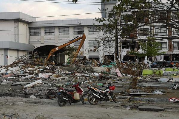 Des décombres dans la ville de Palu (île des Célèbes) mercredi 3 octobre.