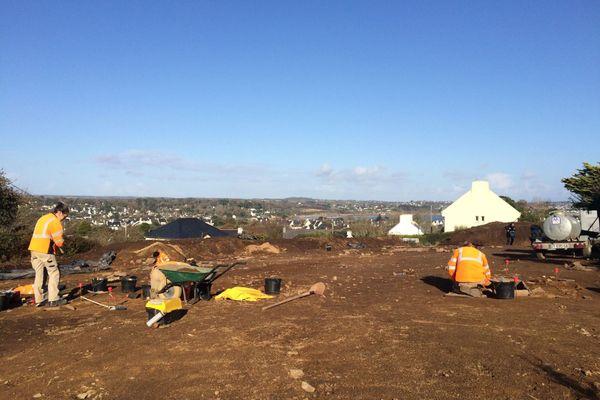 Le chantier de fouilles archéologiques sur une nécropole de l'âge du bronze