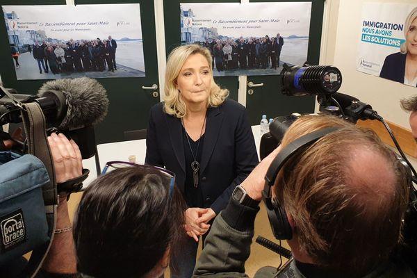 La présidente du Rassemblement National en Bretagne Marine Le Pen, est venue soutenir Philippe Miailhes.