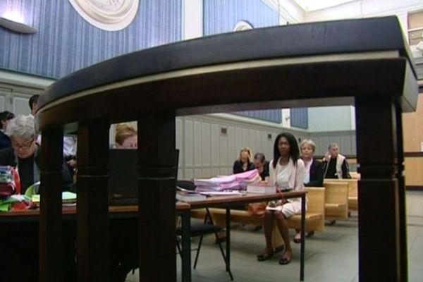 Perpignan : 3e jour du procès - Diane Mistler derrière la barre du tribunal - 22 octobre 2012.