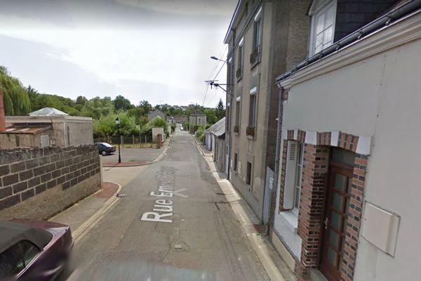 Le meurtre a eu lieu dans une maison individuelle de la rue Ernest Bellanger à Château-Renault en Indre-et-Loire ce samedi 4 septembre vers 5h30.