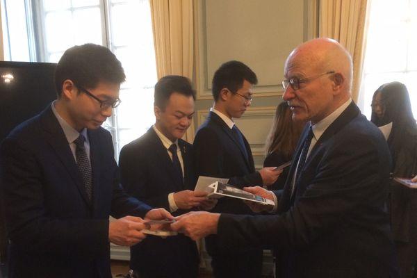 Des étudiants chinois de l'International School of Materials Science and Engineering (ISMSE) reçus par le maire  de Metz
