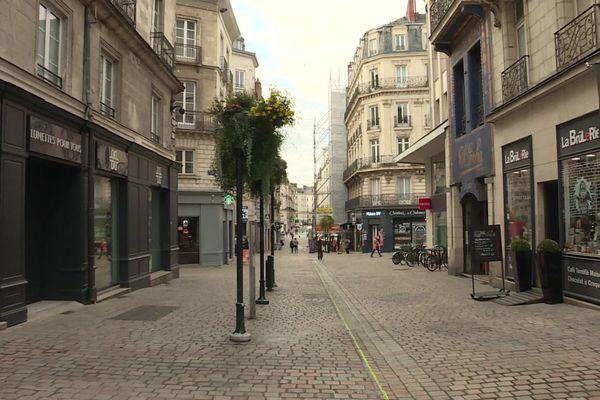 Les rues du centre-ville de Nantes sont désertes ce 30 octobre 2020, 1er jour du reconfinement
