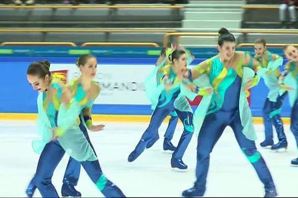Les patineuses de la Team Jeanne d'Arc lors de leur programme libre junior - French Cup 2018