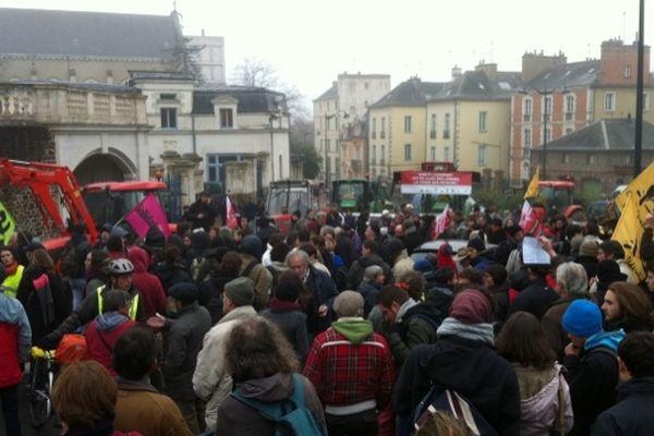 Plus de 200 opposants au projet d'aéroport de Notre Dame des Landes à Rennes