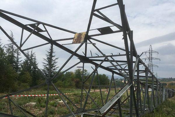 Des pylônes d'électricité haute tension vont disparaître de la région de Mâcon