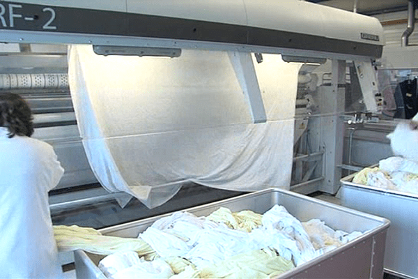 Depuis 2012, c'est plus de 1200 tonnes de linge qui sont lavées chaque jour dans cet établissement à Condé-sur-Noireau