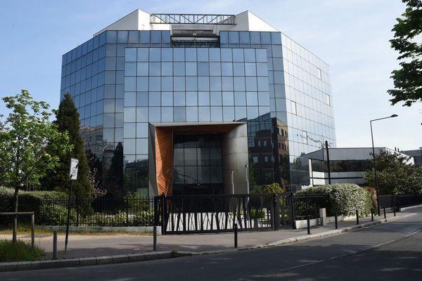 L'ancien immeuble de Panasonic et nouveau siège de l'Eglise de scientologie, situé à deux pas du Stade de France.