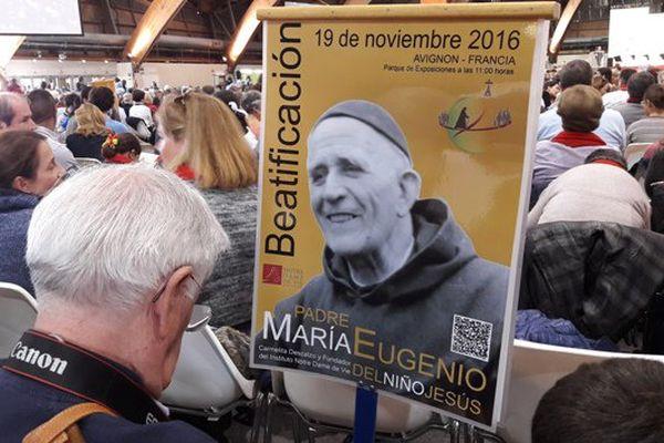 Des milliers de personnes sont venues assister à la messe de béatification à Avignon
