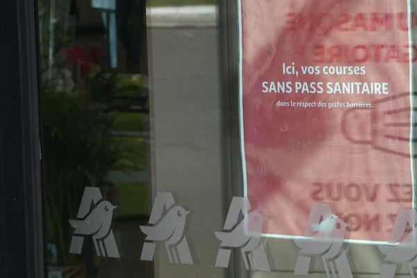 Le pass sanitaire ne sera plus demandé dans les centres commerciaux franciliens à partir de mercredi, sauf en Seine-Saint-Denis.