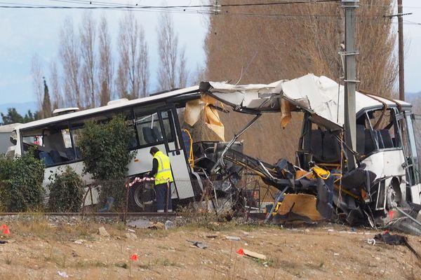 Un an après la collision entre un car scolaire et un train à un passage à niveau à Millas (Pyrénées-Orientales) provoquant la mort de six collégiens, plusieurs éléments de l'enquête mettent en cause la conductrice, malgré ses dénégations répétées.