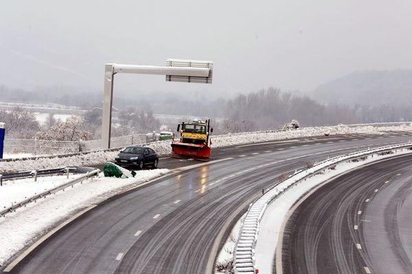D'importantes chutes de neige avaient rendu la circulation très difficile pour ce week-end de chassé-croisé.
