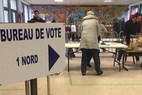 Mende - un bureau de vote - 15 mars 2020.