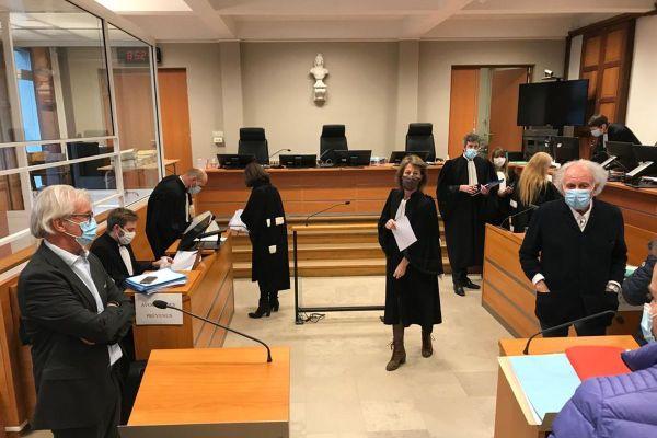 Jeudi 26 novembre, le procès de l'incendie du Palm Beach de Vichy, en 2011, s'est ouvert à Cusset, dans l'Allier.