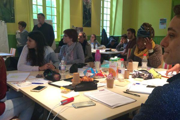 Les groupes ont planché sur leur proposition pendant plusieurs heures.