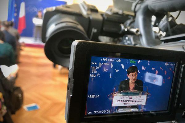 """Annick Girardin, ministre des Outre-mer, le 10 avril 2018 lors de la remise du rapport sur les """"Réunionnais de la Creuse"""""""