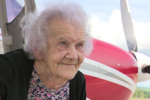 Marie-Louise Royer, 101 ans et pas peur de l'avion !