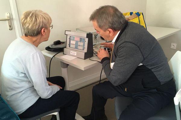 Un test de leurs réflexes et une révision du code de la route proposés aux conducteurs séniors de Coubon en Haute-Loire.