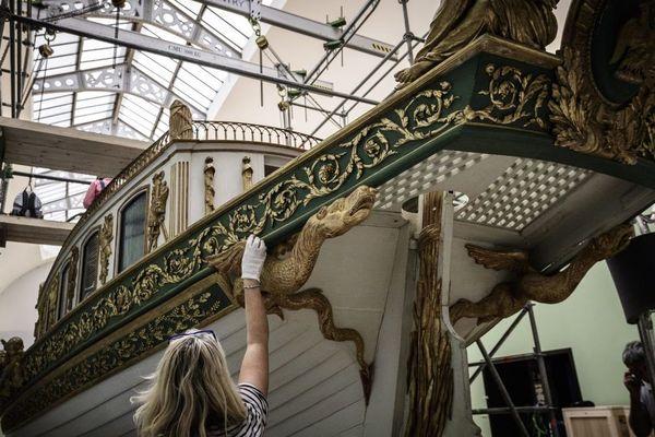 Les préparatifs pour déplacer d'ici octobre 2018, le canot de Napoléon du musée de la Marine à Paris pour rejoindre Brest - 19/09/2018