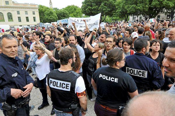 Nîmes - manifestation des anti-corrida devant les arènes lors de la feria de Pentecôte - 19 mai 2018.