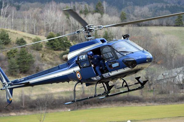 Illustration d'un secours avec un hélicoptère de la gendarmerie
