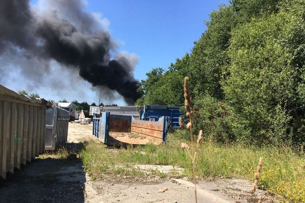 Incendie à la déchetterie de Briec près de Quimper
