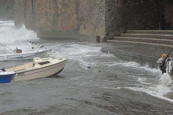 A Collioure, le niveau de l'eau continue de monter.