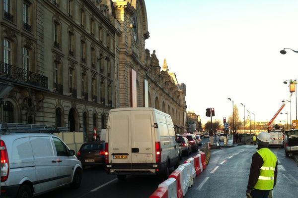 Lundi 28 janvier : depuis ce matin les berges de Seine sont fermées à la circulation