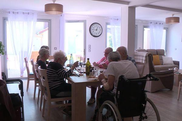 Colocation pour personnes âgées dépendantes Ages et vie à Chirens, en Isère