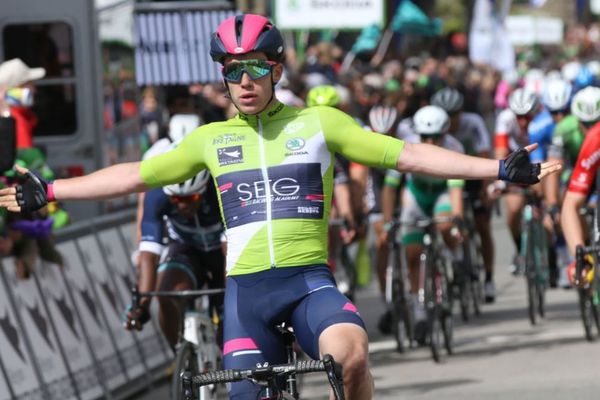 L'italien Alberto Dainese remporte une seconde victoire au sprint.