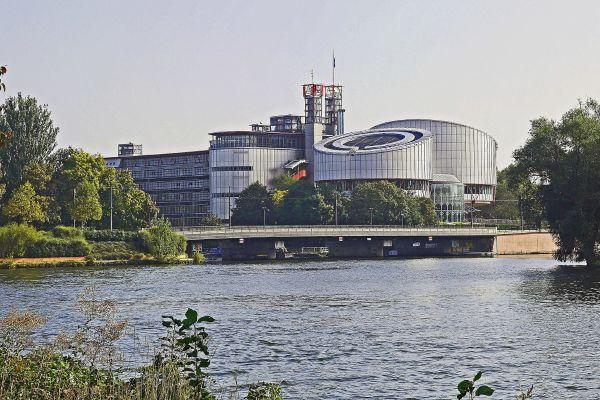 La Cour européenne des droits de l'homme siège dans ce bâtiment, à Strasbourg.
