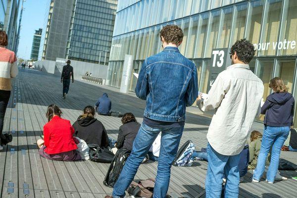 Selon l'OIT, plus d'un jeune sur six se retrouve sans emploi en raison de la crise du COVID-19. Photo d'illustration.