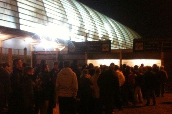 La gratuité offerte ce vendredi 7 mars 2014 aux supporters a permis une affluence record cette saison de 6747 spectateurs au stade de la Licorne pour le match Amiens SC - Red Star.