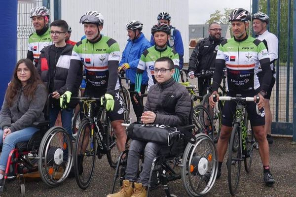 """Yannis, Fred, Will et Christophe : 4 CRS du Loiret vont traverser l'Europe à vélo pour l'association """"Des ailes pour Jules et Louise"""""""
