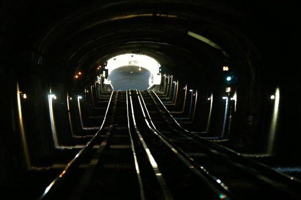 L'étude révèle des quantités considérables de particules fines dans le métro parisien et le RER (illustration).