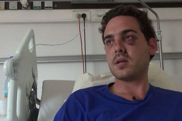 Alexandre, dans sa chambre d'hôpital. le jeune homme a été agressé à Lyon ce week-end.