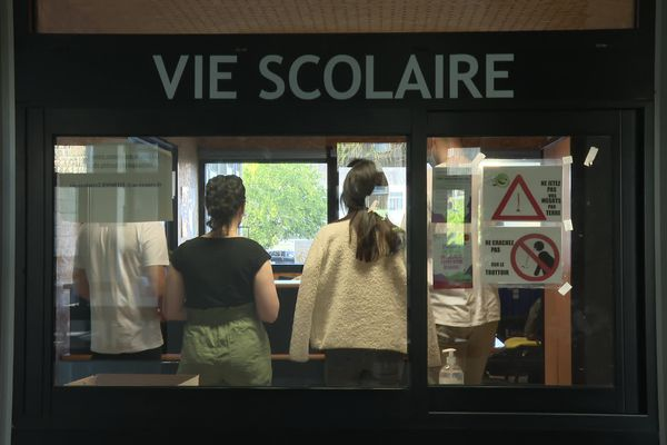 Lycée Jean Jaurès le bureau des assistants d'éducation