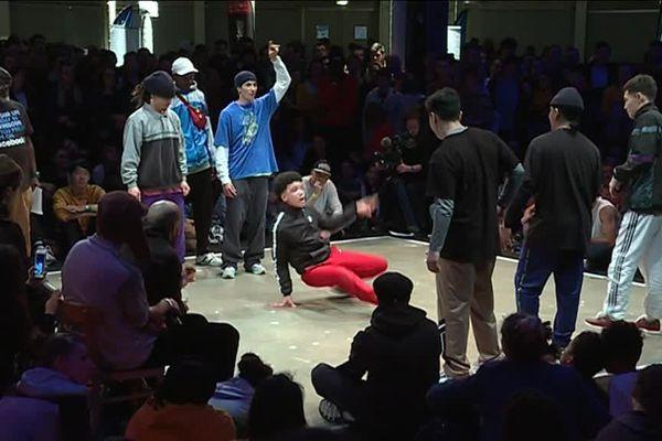 Les équipes se sont succédées vendredi et samedi, entourées par le public du Lieu Unique.