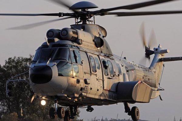 Un hélicoptère Caracal de l'armée de l'Air s'est rendu sur les lieux de l'accident pour localiser la victime