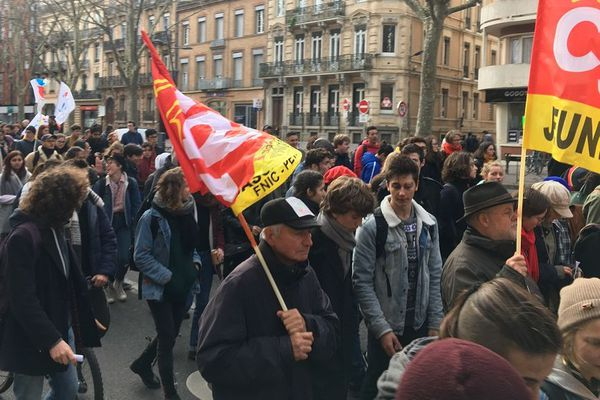 Environ 400 personnes ont manifesté dans les rues de Toulouse, ce mardi après-midi, selon la police.