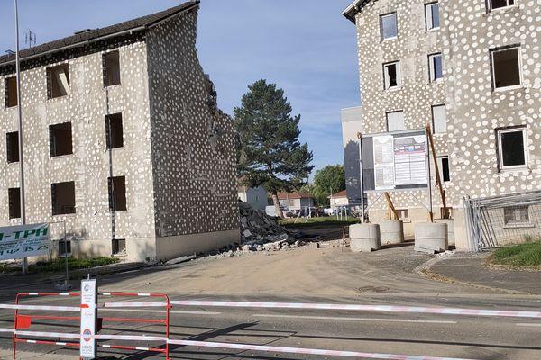 Après les travaux, d'ici un an à un an et demi, 12 pavillons seront construits à Aurillac.