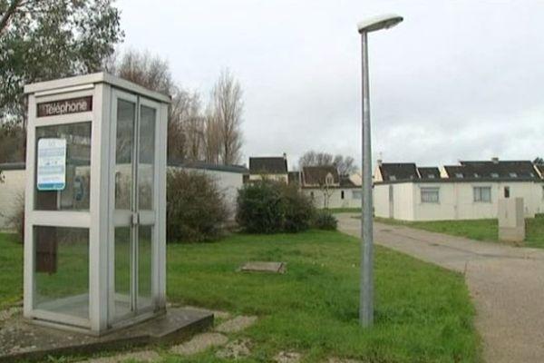Trois cabines téléphonqiues sont installées sur la commune d'Urville-Naqueville. Deux d'entre elles vont disparaître.