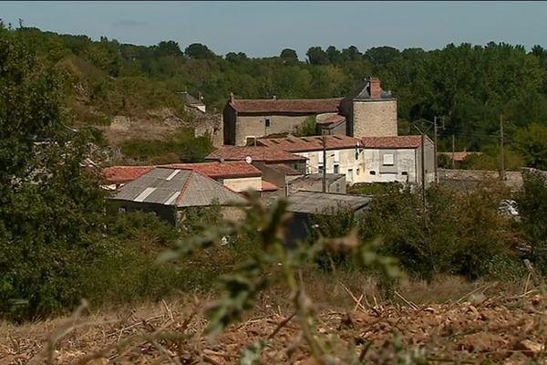 Saint-Généroux est situé entre Thouars et Airvault (Deux-Sèvres)
