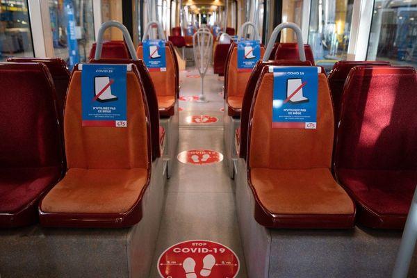 Un siège sur deux sera disponible par rapport à avant le covid19
