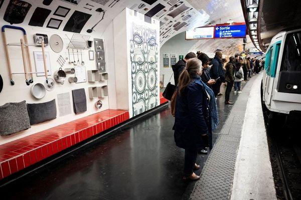Pour inaugurer son nouveau magasin, Ikea s'est offert une publicité géante à la station Madeleine.