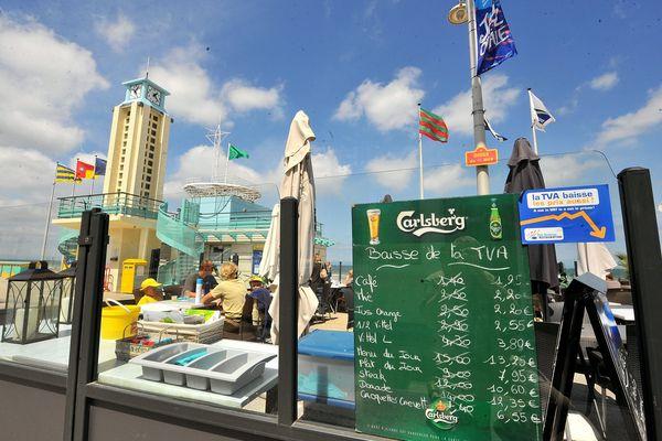 A Dunkerque, les bars de plage ne désemplissent pas - Photo d'illustration