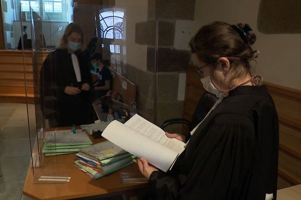 Les avocats qui déposent des dossiers voient leurs affaires traitées