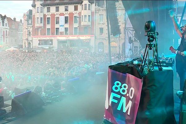 Bob Sinclar sur la Grand' Place de Béthune face à 16 000 spectateurs lors du 14 juillet 2017