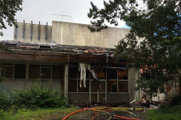L'église de Quizac et ses dégâts suite à un incendie
